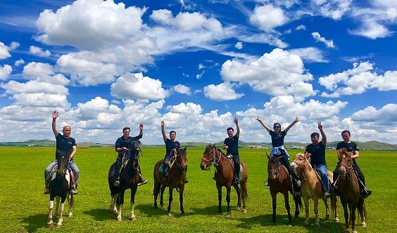 端午-坝上草原-骑马-柳兰谷-赠送烤全羊-体验马背生活-篝火狂欢-大汉行宫-闪电湖